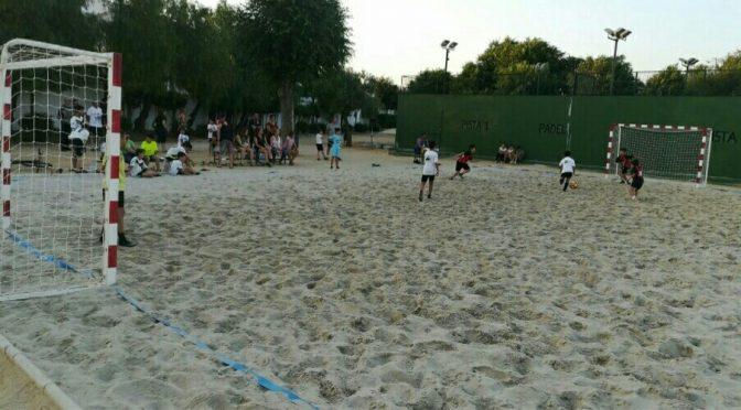 19 equipos participan en el primer Torneo de Fútbol Playa (incluye vídeo)