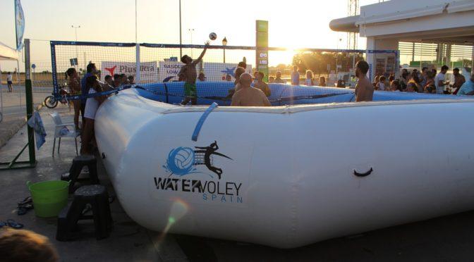 Todo un éxito el primer Torneo Water-Voley celebrado en Fuentes de Andalucía