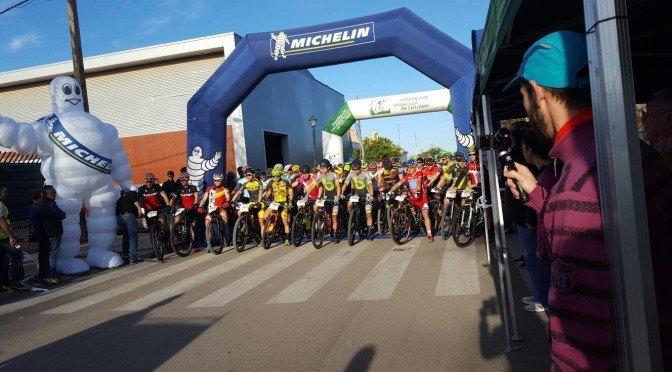 El IIº Marathón Desert Monclova pasó por Fuentes de Andalucía (galería)