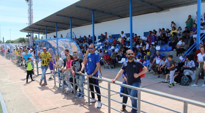 El Iº torneo de fútbol base organizado por la Peña Bética fontaniega 'Juan José Cañas' finaliza con una gran asistencia de público y equipos participantes (incluye galería gráfica)