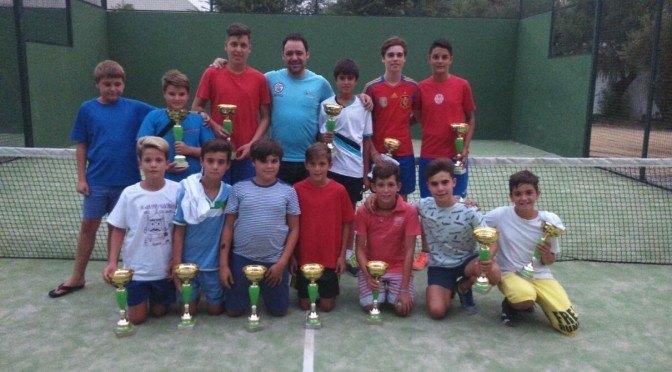 Premiados del torneo de pádel (joven) Verano 2015