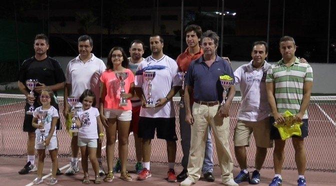 Primera victoria femenina en un torneo de tenis de verano. Pepe Barrera revalida título por tercera vez consecutiva