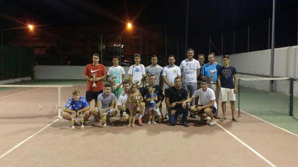 Premiados y organizadores Torneo Tenis Verano 2015