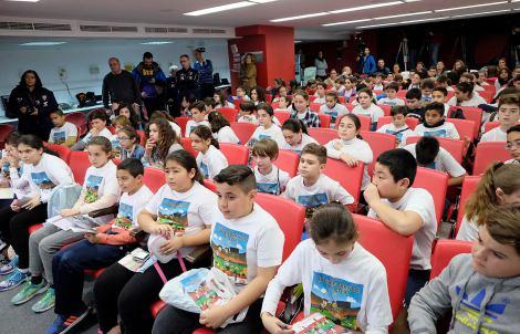 Los alumnos del CEIP Santa Teresa visitaron el Sanchez-Pizjuan